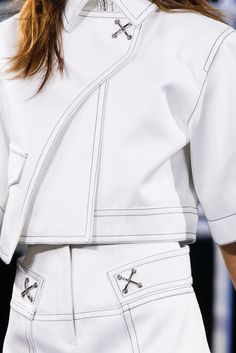 Alexander Wang Spring 2014 Ready-to-Wear Collection Photos - Vogue Runway Fashion, Fashion Show, Fashion Outfits, Womens Fashion, Fashion Trends, Fashion Details, Fashion Design, Future Fashion, White Fashion