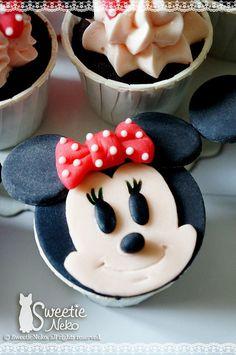 """""""Minnie"""" 2D cupcake by SweetieNeko Homemade Sweets, via Flickr"""
