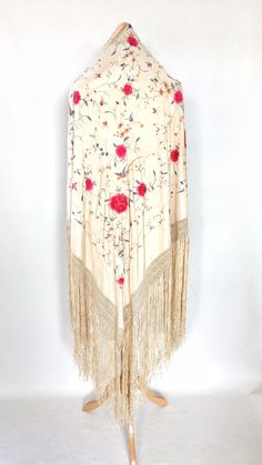 Beautiful vintage/antique piano shawl with embroidered birds and flowers. Perfect for a vintage/bohemian bride Bohemian Bride, Vintage Bohemian, Peach And Green, Red And Blue, Embroidered Bird, Vintage London, Thread Work, Bird Design, Shawls