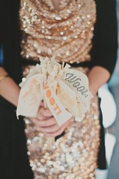 WEDDING IDEAS: Awesome confetti ideas that will make your wedding photos amazing! - Wedding Party