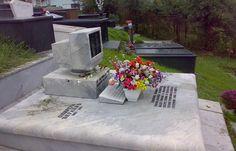 Cimitire cu Wi-Fi, sau cum tehnologia ajuta la înmormântări - http://romaniamondena.ro/cimitire-cu-wi-fi-sau-cum-tehnologia-ajuta-la-inmormantari/