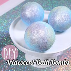 DIY Iridescent Bath Bombs - If you've ever wanted to bathe in glitter, this is the DIY project for you. Informationen zu DIY I - Homemade Bath Bombs, Homemade Soap Recipes, Recipe For Bath Bombs, Easy Bath Bomb Recipe, Diy Lush Bath Bombs, Bath Bombs Video, Making Bath Bombs, Fizzy Bath Bombs, Bath Bombs Scents