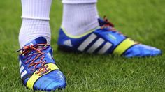 Didn't like what you saw at the #SydneyDerby? Then lace-up for the love of #football.  #RainbowLaces