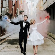 Colourful Sydney wedding with smoke bombs - Lara Hotz Photography Wedding Photoshoot, Wedding Shoot, Wedding Themes, Wedding Couples, Dream Wedding, Wedding Day, Photo Couple, Couple Shoot, Wedding Photography Inspiration