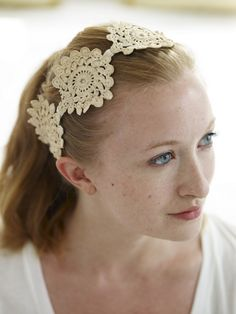 Tiara de crochet Via 79 Ideas