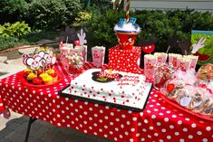 Mickey Mouse Party Birthday Party Ideas | Photo 14 of 25