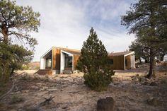 Diseño de casa de campo moderna construida en madera