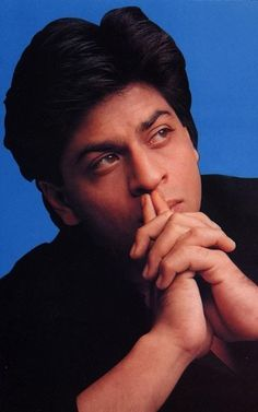 Shahrukh Khan Family, Shahrukh Khan And Kajol, India Actor, Sr K, King Of Hearts, No One Loves Me, Candid, Actors & Actresses, Bollywood