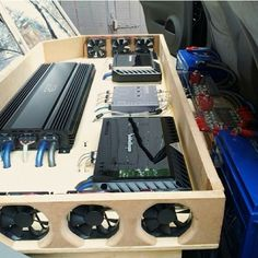 amp rack with fans. would fit great under the back seat