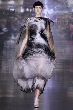 She moved to the United States in 2003 in order to attend Rhode Island School of Design to study architecture. She then transferred to Central Saint Martins College of Art and Design where she completed both her Bachelor and Master's degree. Graduating from her Bachelor course in 2005, Katrantzou switched her focus from prints for interiors to fashion prints. Whilst collaborating with Sophia Kokosalaki in 2006, Katrantzou managed to build up a portfolio for the Central Saint Martins Maste...