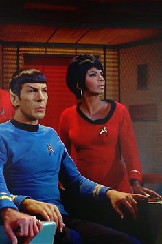 Spock and Uhura TOS