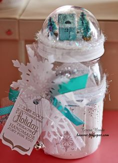OVER 35 CHRISTMAS MASON JAR IDEAS Mason jars are so much fun, they have many uses and crafting has become a very popular one. We have compiled several different ideas out there that are fantastic projects to give as a gift or simply use as Christmas/ Wint Christmas Projects, Christmas Fun, Holiday Crafts, Christmas Decorations, Christmas Ornament, Ornaments, Snow Globe Mason Jar, Christmas Mason Jars, Mason Jar Gifts