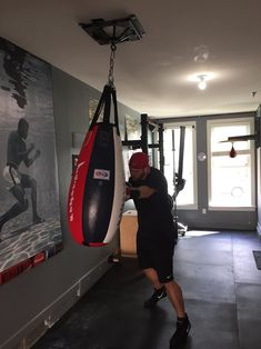 The Firstlaw Fitness Spider Mount is the best heavy bag hanger you can buy for absorbing noise and vibration. Lifetime Warrant, Made In the USA! Martial Arts Gear, Martial Arts Equipment, Crossfit Equipment, Basement Workout Room, Workout Rooms, Heavy Punching Bag, Gym Plans, Backyard Gym, Gym Room At Home