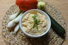 Jak připravit česnekový dip ke grilovanému masu a zelenině No Salt Recipes, Tzatziki, Chutney, Hummus, Risotto, Mashed Potatoes, Food And Drink, Cooking, Ethnic Recipes