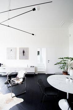 Minimalism interior - Niels & Annemie by Benoît Deneufbourg and la fabrika studio – Minimalism interior Minimalist Home Interior, Modern Interior Design, Interior Architecture, Minimalist House, Minimalist Bedroom, Contemporary Design, Modern Interiors, My Living Room, Home And Living