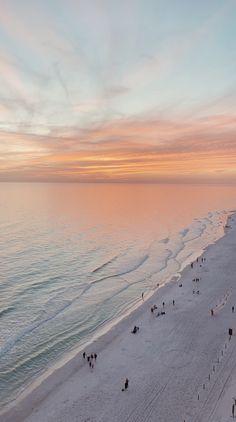 iphone wallpaper beach sarah lane via vsco beach / luxury / rich Wallpaper Sky, Strand Wallpaper, Iphone Wallpaper Beach, Beach Sunset Wallpaper, Sunset Beach, Beach Night, Beach Waves, Ocean Beach, Ocean Waves