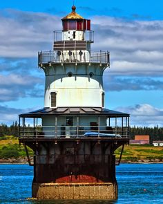 Maine Lighthouses and Beyond: Goose Rocks Lighthouse. To enjoy my site on lighthouses please click on the above photo.