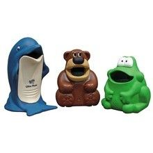 Most commonly seen in the playgrounds and in the kid's room, the animal-shaped dustbins are found in various shapes and sizes to give the look of special animals like hippos, penguin, frogs, monkey etc.