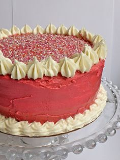 Gluten free & vegan vanilla cake recipe.