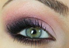 makeup, green eyes