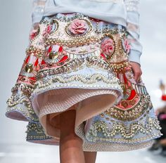 mygoldmine: Beautiful and intricate craftsmanship at the otherworldly Manish Arora S/S 2015 Collection