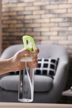 7 Surprising Uses for Baking Soda #purewow #BakingSodaLemonShampoo