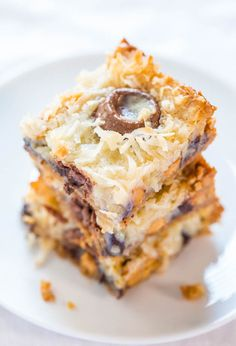 Seven Layer Bars - The classic bars everyone loves but with Rolos! Caramel just makes everything better! Fast, easy, and always a hit! by vivian Sweet Desserts, Just Desserts, Sweet Recipes, Delicious Desserts, Dessert Recipes, Yummy Food, Bar Recipes, Eat Dessert First, Deserts