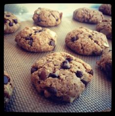 flourless almond gluten free and grain free chocolate chip cookies