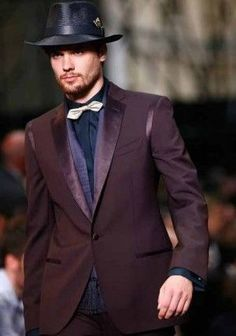 #Prices of tuxedo suits varieties with the quality of fabric used. You can also #BuyTuxedoOnline without any hesitation. And check the #TuxedoJackets or suits with ease. http://www.mensusa.com