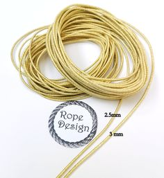 Gold sparkle 2,5 mm/3 mm elastic rubber band Metallic 10 meters elastic rubber Christmas crafts Wedding rubber Gold lame rubber Gold Lame, Macrame Cord, Craft Wedding, Gold Sparkle, Rubber Bands, Give It To Me, How To Make, Diy Face Mask, Sewing Crafts