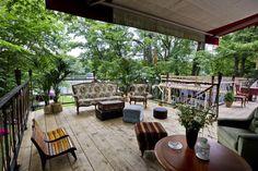 Feiern Sie Ihre Events in einem romantischen Klassiker! Das alte Bootshaus ist ein Schmuckstück unter unseren Locations am Wasser. Unsere Perle wird...