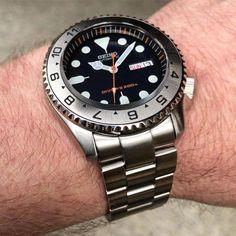Seiko Mods - DLW Watch Modification Part - Steel insert for Seiko Seiko Skx007 Mod, Seiko Mod, Sport Watches, Cool Watches, Watches For Men, Wrist Watches, Seiko Automatic Watches, Seiko Watches, Watches Photography