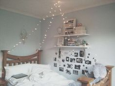 Aesthetic room decor cheap bedroom decoration accessories items gold cool house minimalist bed scandi style living styles decorating decorative for wall cute ornaments scandinavian home design inte… Single Bedroom, Small Room Bedroom, Bedroom Colors, Small Rooms, Dream Bedroom, Bedroom Decor, Bedroom Ideas, Bedroom Designs, Bedroom Inspo