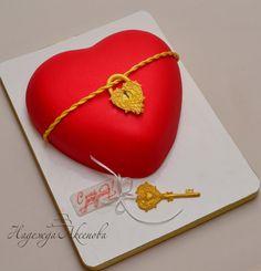 торт-сердце с ключиком