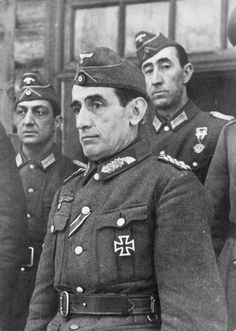 General Muñoz Grandes commander of the Blue Division (División Azul), a unit of Spanish volonteers in the German army during WWII. Luftwaffe, Division, Spanish War, Cc Images, The Third Reich, German Army, World War Two, Wwii, Captain Hat