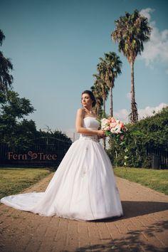 Girls Dresses, Flower Girl Dresses, Photo Ideas, Wedding Photos, Roses, Weddings, Wedding Dresses, Board, Flowers