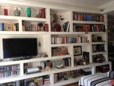 Plasterboard bookshelf