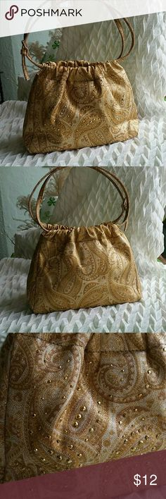 Liz Claiborne Gold Evening Bag This is a small gold bag. Front has gold sequins,  with a mauve color lining and 1 zippered pocket inside. Snap closure.  Height of bag is 6 inches,  width is 8 inches. No flaws Smoke Free Home Liz Claiborne Bags Mini Bags