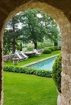 garden pool ♡ teaspoonheaven.com