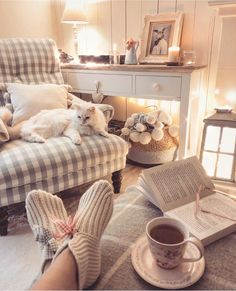 Wollen socks, books, candles, fairy lights and a cuppa. that's my Monday night; I wish it could rain but maybe it's asking too much. Cottage Living Rooms, Cottage Interiors, New Living Room, Cottage Homes, Living Room Decor, Shabby, Decoration, Living Room Designs, Ideal Home