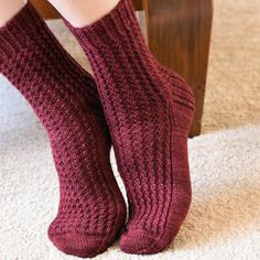 Araluen Socks Knitting pattern by Jo-Anne Klim Knitting Socks, Free Knitting, Knit Socks, Cosy Socks, Knitting Patterns, Crochet Patterns, Fingering Yarn, Fingerless Mitts, Knit In The Round