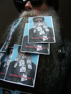 BEARD GALLERY - Opere di Lancillotto Bellini installate sulla mia barba (Galleria Pensile)