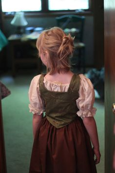 Finished renaissance costume for little girls on the blog today.         http://jowithitsportfolio.blogspot.com/2011/07/emilys-renaissance-outfit.html