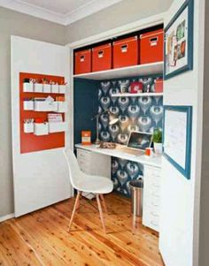 Whether youre working from home or just want a space to keep your computer and paperwork neatly tucked away, this clever home office in a wardrobe ticks all the boxes. The ideal site for your new office is inside a built-in wardrobe in a spare room. Home Office Closet, Closet Desk, Tiny Office, Office Nook, Guest Room Office, Home Office Space, Office Decor, Office Ideas, Red Office