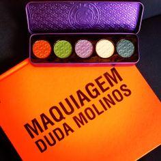 Livro Maquiagem de Duda Molinos e paleta de sombras Lime Crime Aquataenia Palette