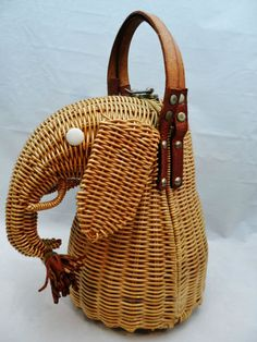 724fe20ed3b Rare ESTATE Vintage 1960 s MARCUS Brothers ELEPHANT Purse GOLDEN Rattan  WICKER