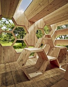 wood pavilion-with-honeycomb-form-erhohlungsort