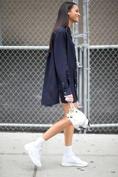 Inspiration Mode fashion-clue: the-streetstyle: NYC Style: Fashion Week From The New York Fashion Week Street Style, Nyfw Street Style, Nyc Fashion, Street Style Looks, Fashion Trends, Style Fashion, Street Chic, Runway Fashion, Dubai Fashionista