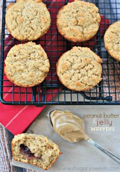 Peanut Butter and Jelly Muffins – Perfect for breakfast, school lunches or after school snacks!