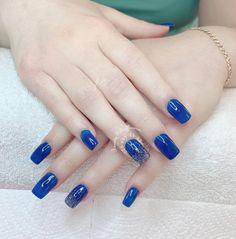 Blau Nagel Nails Design, Beauty, Blue Nail, Beauty Illustration
